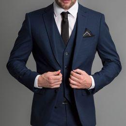Vente en gros Costumes de mariage formel bleu marine hommes 2018 nouveau trois pièces entaillé revers personnalisé smokings de mariage marié affaires (veste + pantalon + gilet)