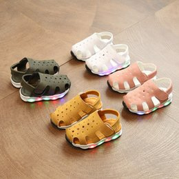 Discount soft stickers - Hot Selling Summer Boys Girls Sandals Magic Stickers Beach Kids Shoes Korean Version LED Lights Anti Skid Baby Boy Shoes
