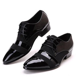 China 2018 NEW Men's groom dress shoes Flat Shoes Luxury Men's Business Oxfords Casual Shoe Black Leather Derby Shoes cheap grooms black shoes suppliers
