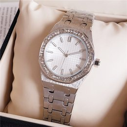 Women Watches cheap price online shopping - High Quality Fashion Crystal Inlay Women Wrist Watch Quartz Movement Women Party Dress Clock Watch Cheap Price