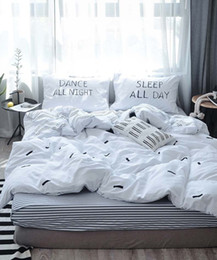 $enCountryForm.capitalKeyWord Australia - Stripes, cartoon, print white black Home textile 3pcs or 4pcs Bedding Sets bedclothes Duvet Cover Bed Sheet pillowcase set
