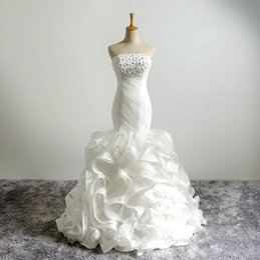 $enCountryForm.capitalKeyWord NZ - 2018 Elegant Strapless Mermaid Style Wedding Dresses Beaded Top Flower Appliques Ruffles Organza Lace up Bridal Party Gown