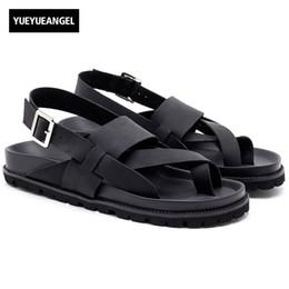 $enCountryForm.capitalKeyWord Canada - Top Quality Mens Cross Straps Buckle Beach Sandals Antiskid Platform Genuine Leather Gladiator Classic Male Casual Shoes Black