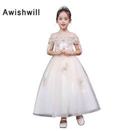 Nuovo arrivo 2018 Off the Shoulder Flower Girl Dresses con maniche Appliques Tulle Ankle Dress Girl Pagenat Dress in Offerta
