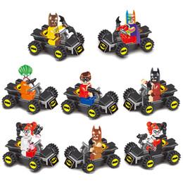 Mini Süper Kahraman Avenger Batman Batmobile Yarasa Bardak Araç Fighter Araba Yarasa Adam Oyuncak Figürü Yapı Taşı Oyuncak Çocuklar için Doğum Günü hediye indirimde