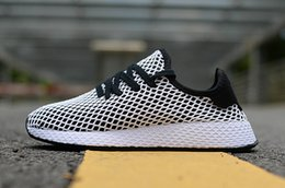 Wholesale 01 new high quality Deerupt Runner men and women sports and leisure grid running shoes