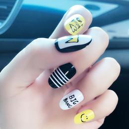 Venta al por mayor de B61 puntas artificiales para uñas prensado en gel puntas para uñas puntas de uñas previamente diseñadas estilete