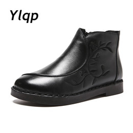 $enCountryForm.capitalKeyWord UK - wholesale Ladies Genuine Leather Fur Boots Fashion Embroider Women Boots 2018 Winter Shoes Black Flats Ankle Boots for Women booties