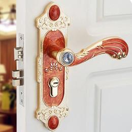 Estilo europeu sala de cristal de vidro punho de madeira interruptor de bloqueio decoração de madeira interior fechaduras da porta de madeira âmbar branco / vermelho fechaduras venda por atacado