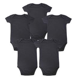 Großhandel Zartes Baby-Platz-neues Unisexjungen-Baby-Kleidungs-Baby-neugeborener Körper-Schwarzes 100% weiche Baumwolle 0-12 Monate Kurzhülse