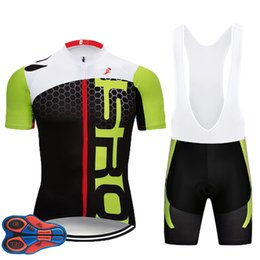 2018 Green Team Summer Pro Sporting Racing UCI World Tour Pro Cycling Jersey  9D PAD Bike Shorts Set Ropa Ciclismo Bicycle Wear 7b4963124