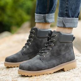 0e3ade24d3 Na Venda 2018 PU Moda Estilo De Couro Outono E Inverno Algodão Casal Das  Mulheres Dos Homens Botas Sapatos Casuais Tamanho Grande Frete Grátis