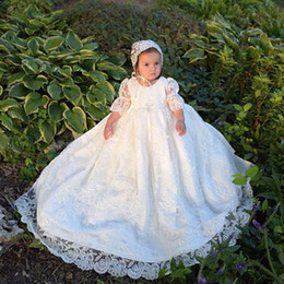 White Communion Dresses Short NZ - Lovely White First Communion Dresses Chrisom Lace Short Sleeve Baby Christening Gowns With Bonnet Baptism Outfits Robes De Fête