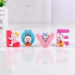 Chinese  Love Cat Cartoon Doll Ornaments Valentines Gift DIY Material Cake Accessories Micro Landscape Office Study Room Handicraft Decoration manufacturers