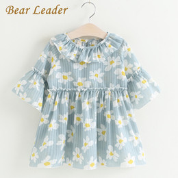 Leaders Clothing Canada - Bear Leader Girls Dress 2017 New Summer Children Clothing Daisy Print Dress Casual Style Princess Cute Dress Flare Sleeve Suit