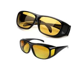 HD ночного видения Вождение Солнцезащитные очки Мужчины Желтый Объектив  Over Wrap вокруг очков Темный Вождение Защитные e5531f91033