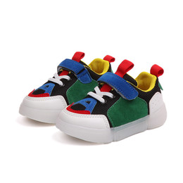Year Old Baby Boy Shoes UK - 2018 LED Lights Up Kids Casual Shoes Baby Boys And Girls Sports Shoes Good Quality Newborn Soft Bottom 1 to 5 Years old