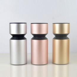 Venta al por mayor de Difusor de nebulizador de aceite esencial para coche Aleación de aluminio Difusor de aroma ultrasónico USB con interruptor táctil para viajes en vehículos de oficina en casa