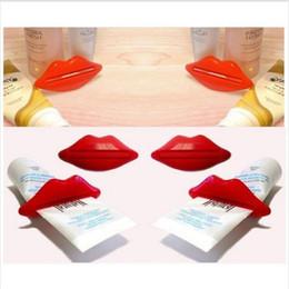Cream kiss tube online shopping - Sexy Hot Lip Kiss Bathroom Tube Dispenser Toothpaste Cream Squeezer Home Tube Rolling Holder Squeezer Color Randomly