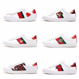Shoe boxeS online shopping - Mens designer luxury shoes Casual Shoes white mens women sneakers advanced material Bee flower snake heart love Genuine Leather with box