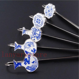 Chinese Porcelain Pendants Australia - Blue and white porcelain creative electronic advertising school bookmarks pendant suits cultural gifts with Chinese characteristics.