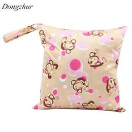 ed9993544 Bolso de pañales Dongzhur impermeable mono pintado pañal cambiante pañales  de tela de bebé 28   30cm cremallera bebé pañal pañal de natación