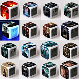 21 Estilos de Harry Potter Relógio Multifunction Digital Desk despertador com LED Light Touch Desk tabela Assista 20pcs Relógio GGA809 em Promoção
