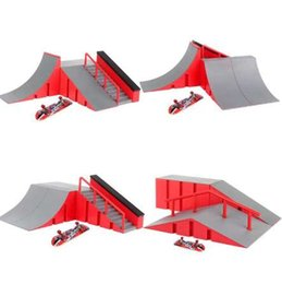 $enCountryForm.capitalKeyWord NZ - Cool Mini Table Game Finger Skating Board ABS Alloy Ramp Track Toy Set for Skateboard Lover Kids Ideal Birthday Xmas Gift