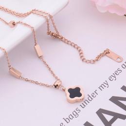7e038ed75f4d9 Collier de créateurs de bijoux de marque de luxe pour les femmes titane  acier trèfle pendentif collier mode chaud sans expédition