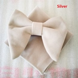 $enCountryForm.capitalKeyWord Australia - 2018 Limited New Arrival Bow Tie Men As Pic Fashion Black Bow Tie Velvet Bowties with Matching Hankie Mens Unique Tuxedo Bowtie Set