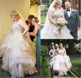 dropped wedding dresses Canada - Plus Size Country Wedding Dresses 2019 Modest Sweetheart Heavy Beaded Crystal Ruffles Tiered Skirt Outdoor Farm Garden Bridal Wedding Gown