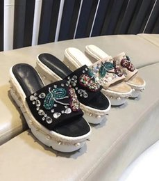 61af6d03567509 High Quality Women s Shoes Scuffs Muffin bottom Slippers Beaded Flowers  Embroidery Midsole-encrusted Rivets Straw Rhinestone 8.3cm Sandal