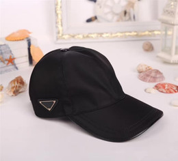 Black top hats for men online shopping - Top Quality Popular Ball Caps Canvas Leisure Fashion Sun Hat for Outdoor Sport Men Women Brand Strapback Hat Famous Baseball Cap With Box