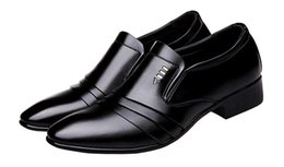 men evening black shoe UK - 2018 Classic Mens Pleated Patent Leather Formal Dress Shoes Slip On Plain Toe Business Evening Wedding Shoes