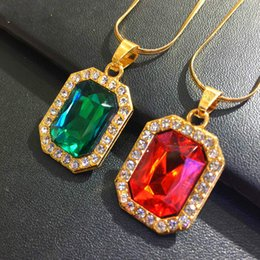 add7146be437 Hip Hop para Hombres Mujeres Regalos de Joyería Encanto de Oro Negro Gema  Rojo Colgante Collar Bling Iced Out Piedra Cadena de Eslabones