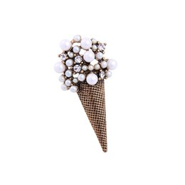 China Personalized Geometric Alloy Vintage Brooch Ice Cream Imitation Pearl Crystal Brooches for Women Christmas Birthday Jewelry suppliers