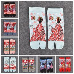 Discount cotton kimonos wholesale - 1 Pair Female Sandal Short Comfortable Cotton Socks Tabi Split Toe Socks Geta Kimono Flip Flop CARP Koi Samurai XLZ9434