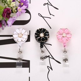 Wholesale Flower Pearl Retractable Badge Holder with Alligator Clip Retractable Cord Nurse ID Badge Reel
