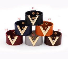 fashion wristbands bracelets Canada - 6 Colors Gold V Bracelet Leather V Shape Charm Wristband PU Leather Bangle Overwide Bracelets Cuffs Fashion Jewelry for Women