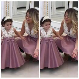 $enCountryForm.capitalKeyWord Australia - V-Neck Women Prom Dresses Lace Top Beaded Short SKirt Matching Dresses For Mother And Daughter Flower Girls Dress Formal 2019 Custom