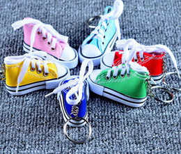 Discount classic car novelties - 3D Novelty Canvas Sneaker Tennis Shoe Keychain Key Chain Party Jewelry key chains