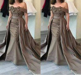 Wholesale 2018 Detachable Mother Of The Bride Dresses Off Shoulder Sashes Sequins And Appliques Mermaid Mother Dresses Formal Evening Dresses