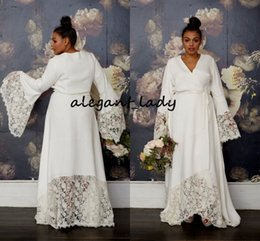 Sexy bell Sleeve wedding dreSSeS online shopping - Plus Size Hippie Wedding Dresses with Long Bell Sleeve Modest Lace Floral V neck Vintage Bohemian Country Garden Bridal Wedding Gown