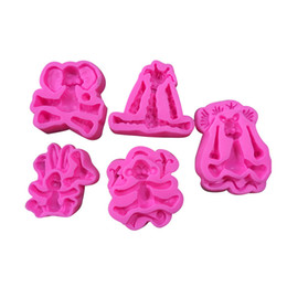 elephant mold UK - Cartoon Forest Bakeware Lion Elephant Monkey Giraffe Rabbit Animal Silicon Sugar Baking Moulds Clay Mold Kitchen Tools 4 8ty bb