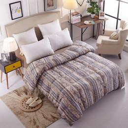 Lujo Natural 95% de ganso Edredón Suave y cálida Reina tamaño King Edredón / Edredón de alta calidad Hipoalergénico Dormitorio Four Seasons en venta