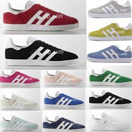 various colors d07dc c4e49 2018 Adidas Gazelle Hombres Mujeres Gazelle de calidad superior zapatos  Racer Negro blanco zapatos Rojo Gris Naranja Skateboarding amantes de  caminar ...