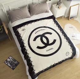 Manta de franela caliente de la moda caliente niños adultos sofá universal manta cuna siesta manta de oficina 130 * 150 cm