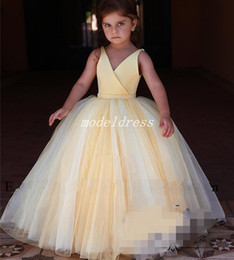 Discount cosplay hunter - Daffodil Ball Gown Flower Girl Dresses 2018 V Neck Backless Sweep Train Girls Pageant Dress Child Birthday Party Gowns C