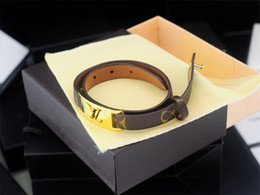 Coral Beads China Australia - High Quality Celebrity design Fashion show Classic style Women Letter Printing Leather bracelet Bracelets Jewelry With Box