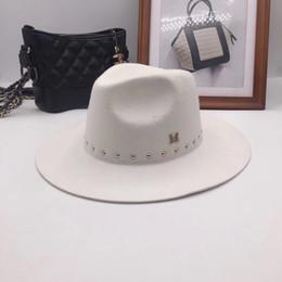 Fedora white man online shopping - Han edition M standard white Fedoras wool hat New England autumn winter rivet cap tide male ladies hats